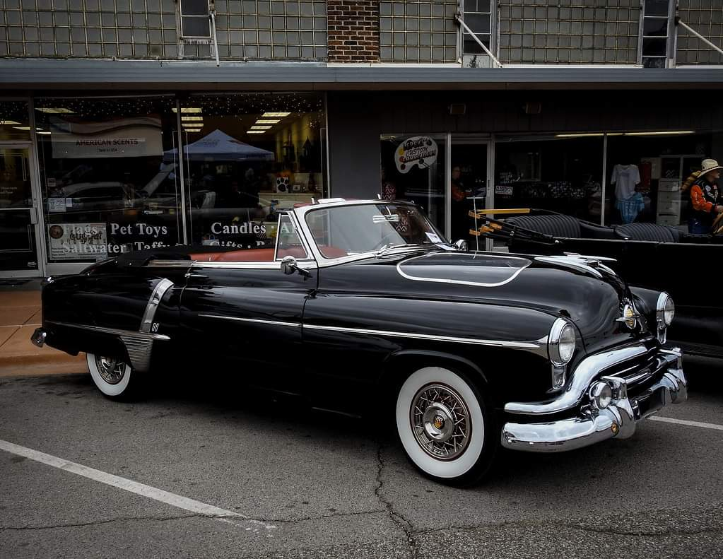 1951 Oldsmobile 88 Convertible https://t.co/o5pWR7IFs3