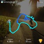 Berlari lari dalam taman sambil dikejar anjing sebagai motivasi pagi https://t.co/9UzuVeKVvw