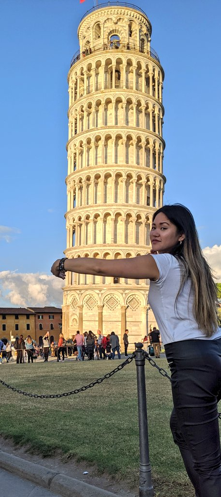 test Twitter Media - I'm in Pisa, guys.  And I didn't use photoshop! https://t.co/miul1y8Lbz
