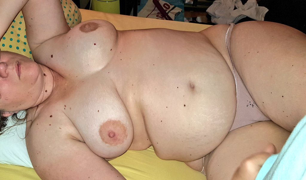 #bbw #chubby #sexybelly #bigboobs #submissive