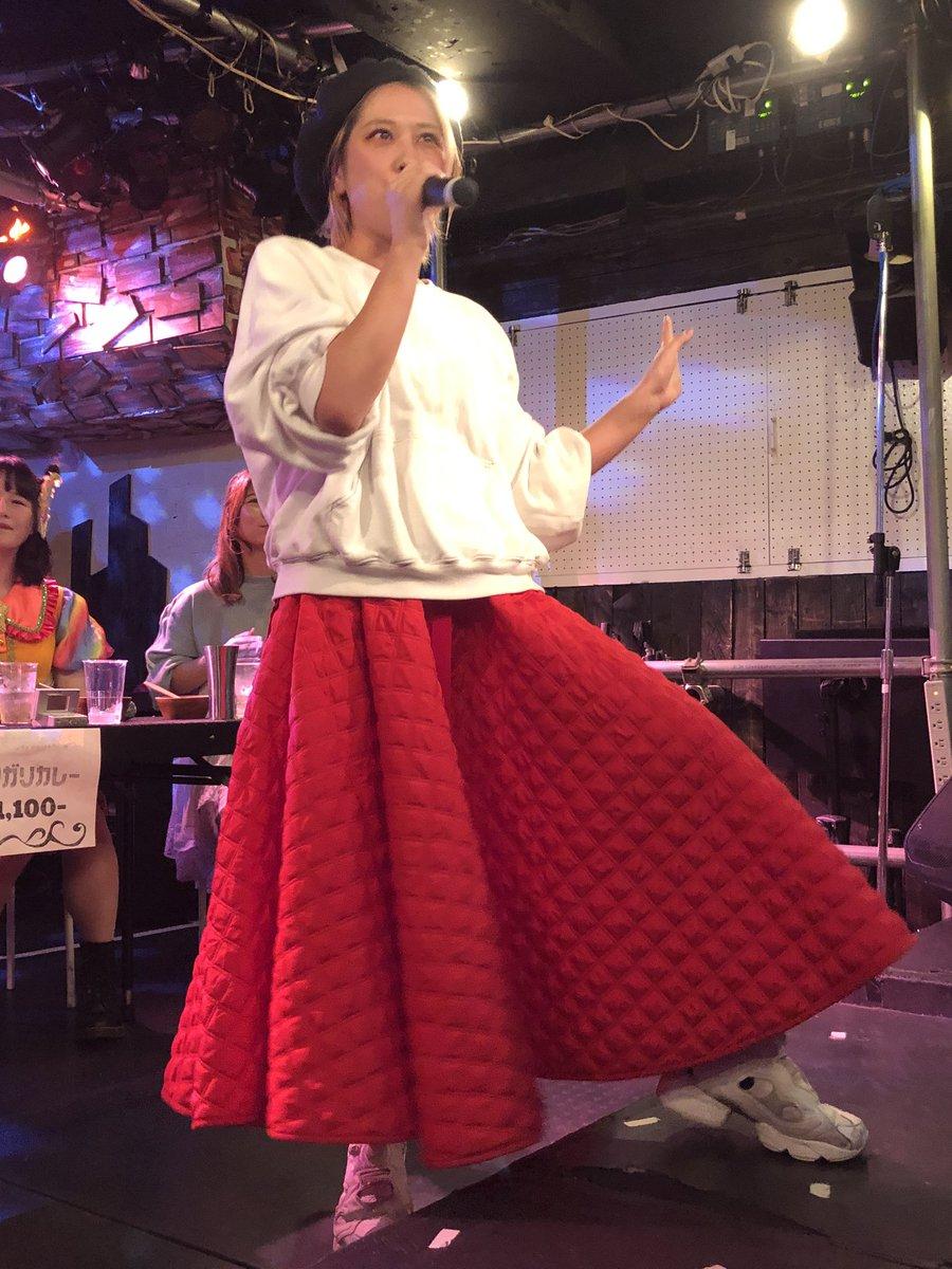 test ツイッターメディア - ちゃんももさんの岡村ちゃん&椎名林檎も素晴らしかったのですがなんと言ってもメイビーモエさんのど迫力歌唱…広瀬香美&YUKIはカラオケど呼ぶには完成度高過ぎの素晴らしさ。今日は時間無くてチェキ並べず残念…またチャンス狙お。 https://t.co/hhgCIpJx5S