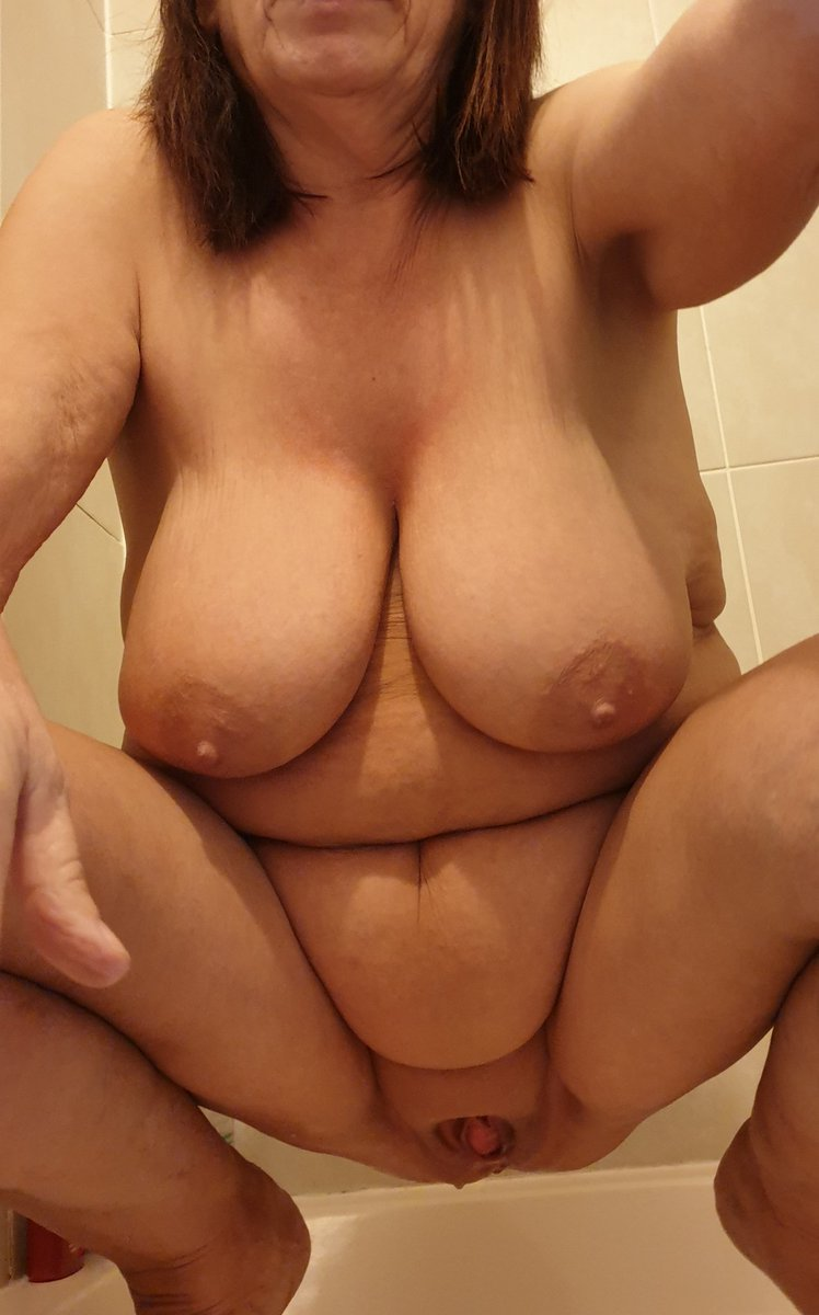 Lady friend pissing in shower for me  #beautiful