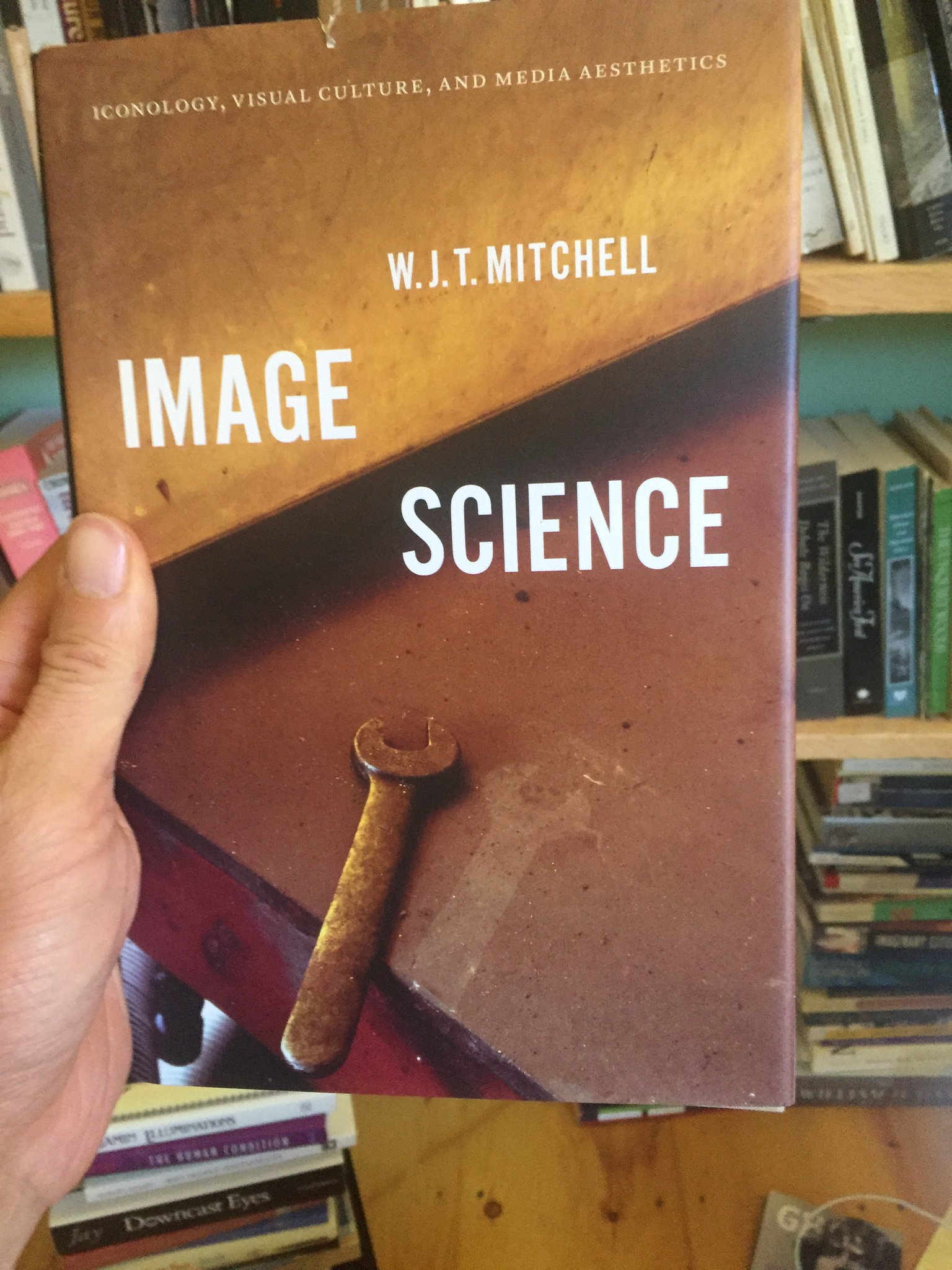 God, I love writing about #photography and #visualculture with a pile of WJT Mitchell books by my side. Psyched to finally be digging into this: https://t.co/2ppHYuatoX