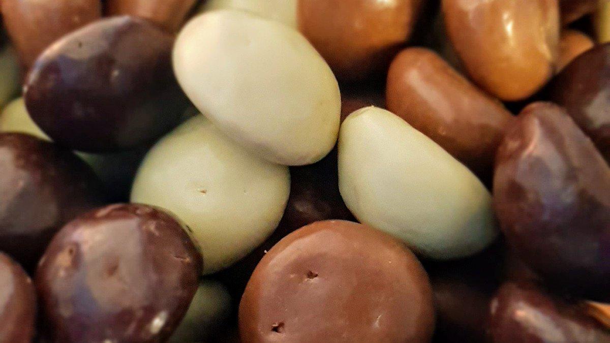 test Twitter Media - Shit, ben er weer in ingetrapt...  #misselijk #chocoladekruidnoten #moetverbodenworden #TuesdayThoughts https://t.co/JScb6gaJEX