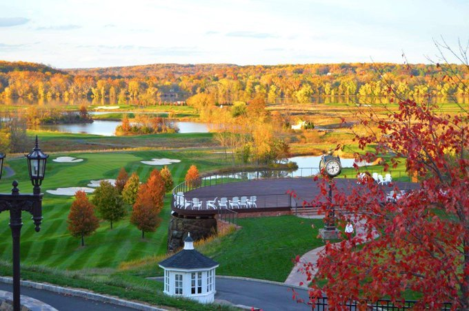 Great course conditions, cooler weather & colorful foliage 🍂 Who else agrees Fall is the best season for golf? @TrumpGolfDC