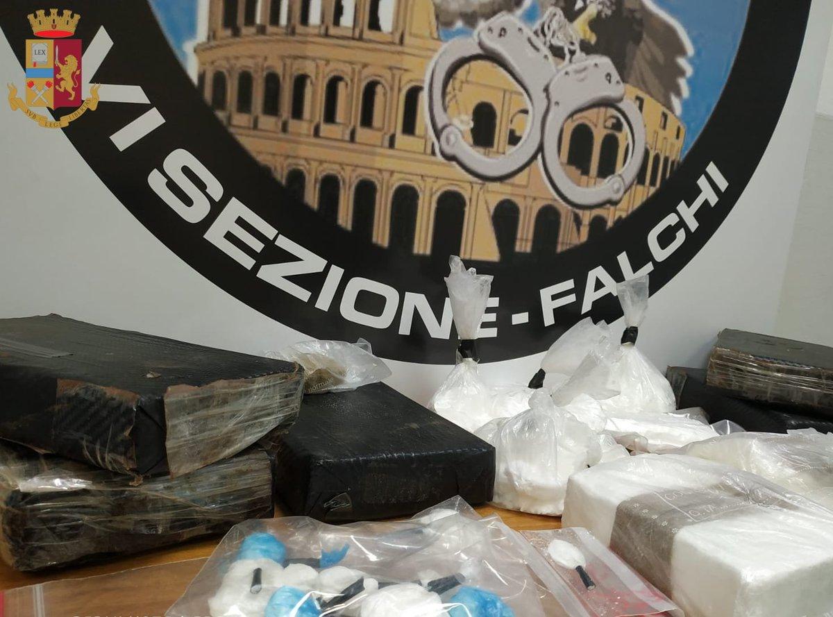 test Twitter Media - #Roma. Coltivazione in casa: sequestrati dai #poliziotti della #SquadraMobile di Roma oltre 40 chilogrammi di #marijuana appena raccolta. #questuradiroma #essercisemprehttps://t.co/sdkkzPPwdT https://t.co/h1WYlNuTod