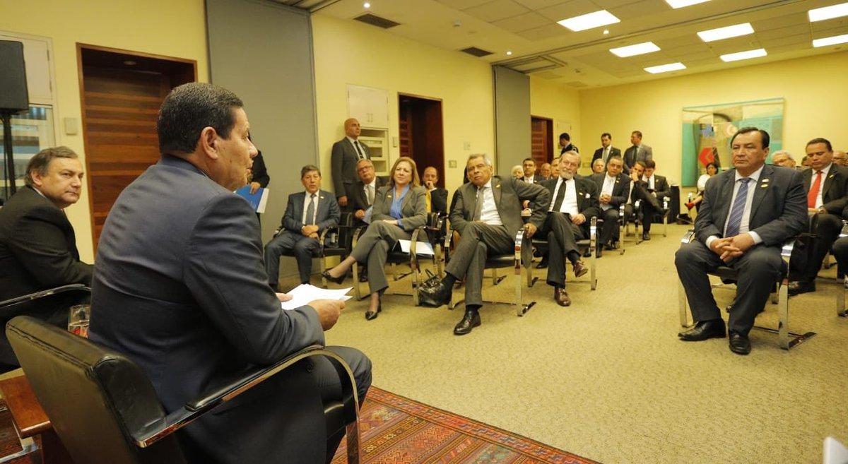 Em encontro com empresários da Associação de Exportadores (ADEX) peruanos, apresentei as #reformas estruturantes do @govbr implementadas na #gestão de @jairbolsonaro e as oportunidades de acordos e as parcerias no Brasil, destacando a integração Sulamericana.