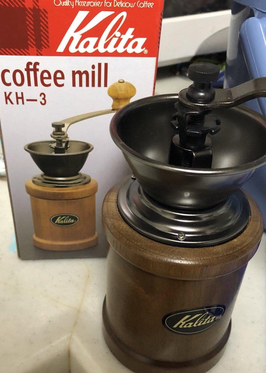 test ツイッターメディア - 艦これの三越コラボの缶ビールの賞味期限切れで思い出した。コーヒー豆も買ってたことを。でも三越さんのコラボは基本的におっさん提督が職場とかでも使える様にと配慮されてる商品が多くてコーヒーミルは買わなかったのよね。で、普通のものを買ったままだったので開封。 https://t.co/GAd2qMRtBS