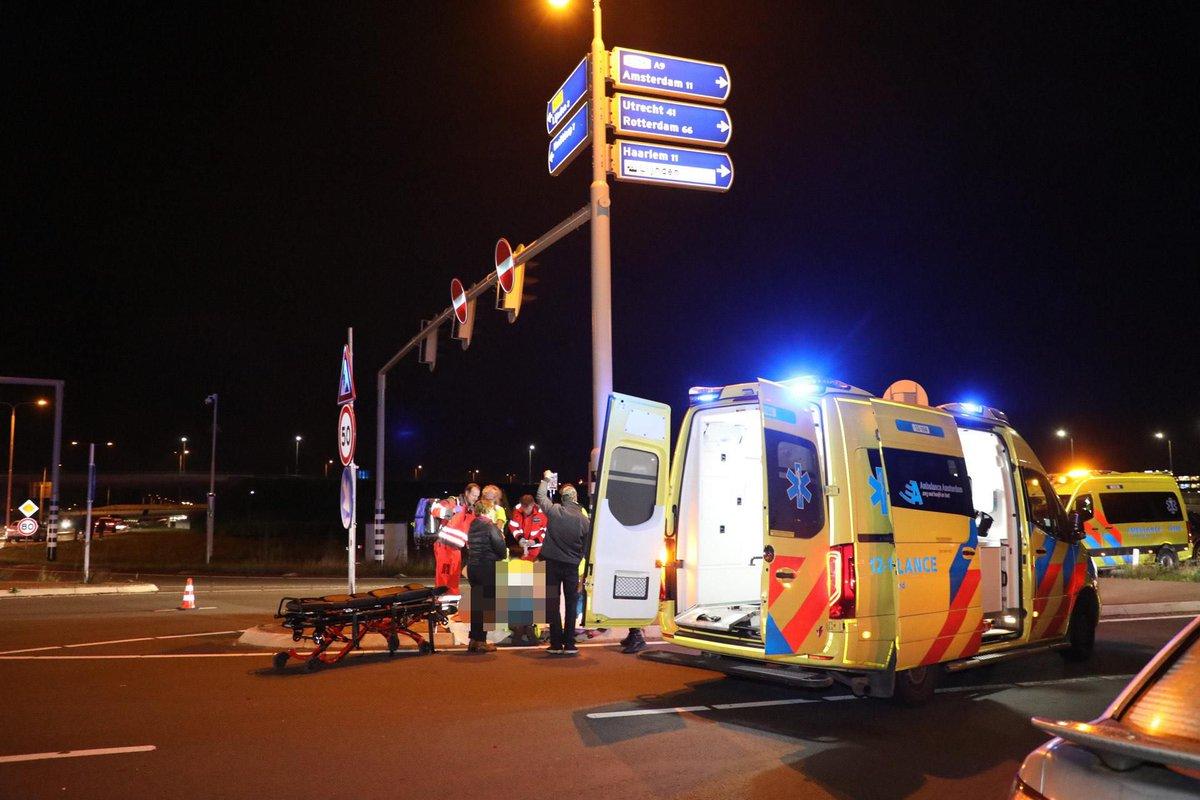 Motorrijder ernstig gewond bij ongeval in Lijnden, traumahelikopter geland..