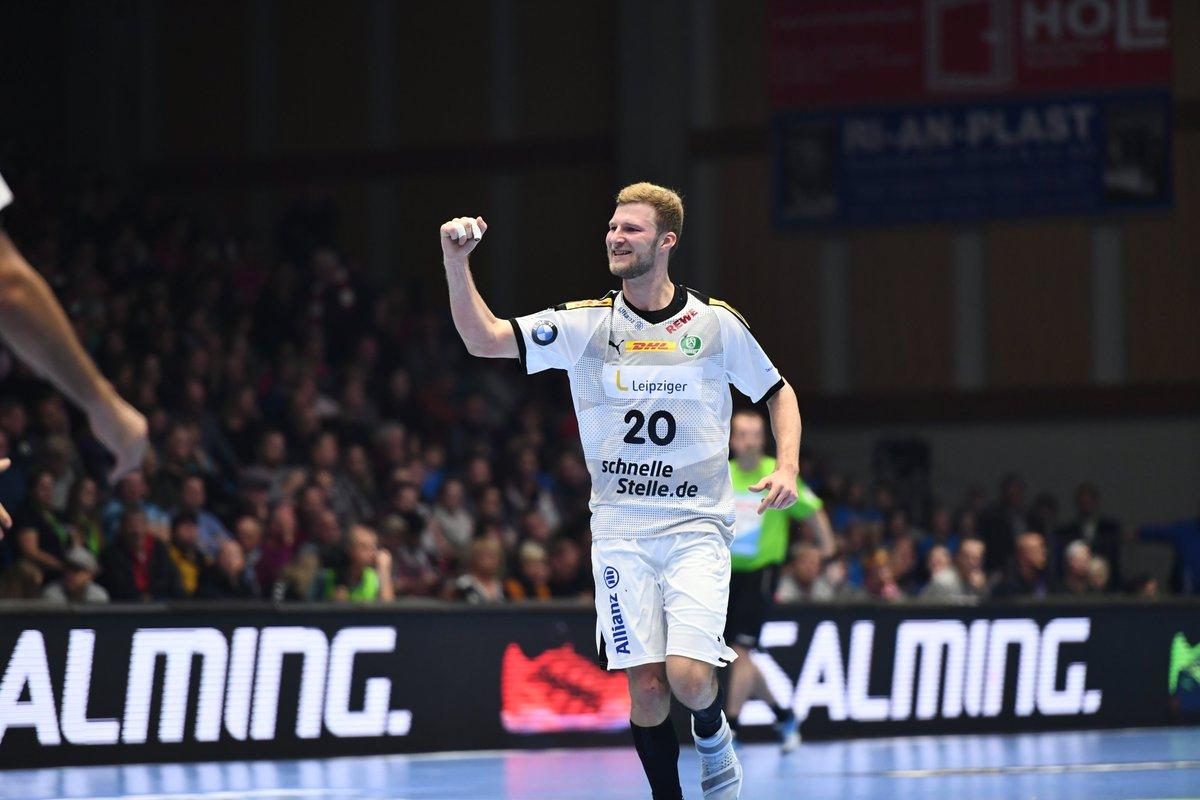 AUSWÄRTSSIEG!!! Die DHfK-Handballer erobern die Heimfestung der MT Melsungen und gewinnen zum ersten Mal überhaupt ein Ligaspiel in Kassel! 😊😊😊 Was für eine überragende kämpferische Leistung!!!👊💚 #WirSindEinTeam https://t.co/R4Bms21lkd