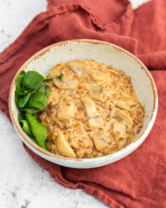Creamy, indulgent and satisfying, our mushroom spelt risotto is comfort food at its finest 🥄