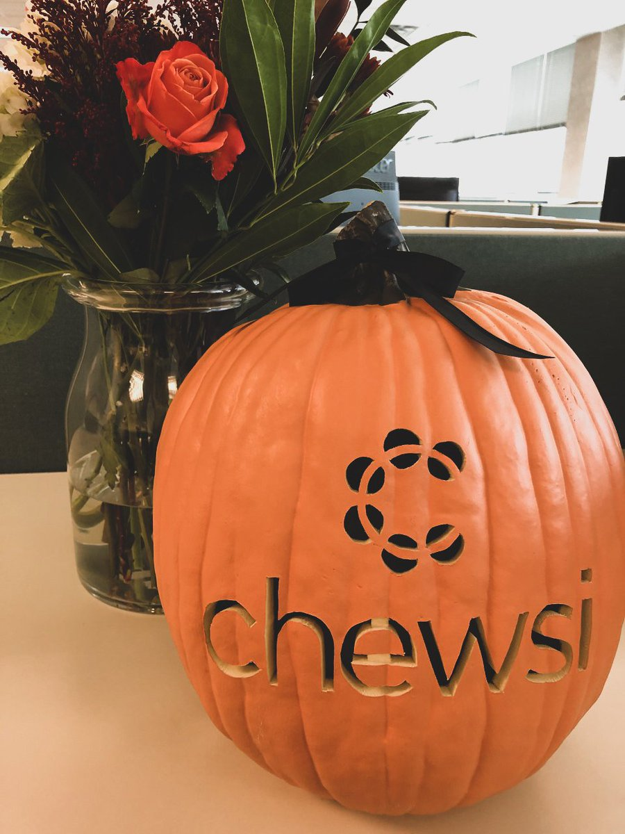 Happy Halloween from Chewsi! If you end up enjoying too many treats in the next few days, Chewsi can help you save on that dental care you might need, no tricks here! #halloween2019 #chewsidental https://t.co/6dK4YNDJVV