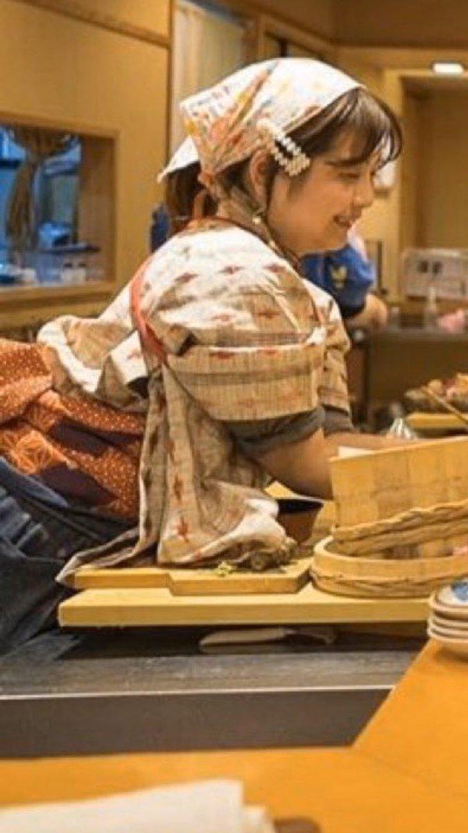 女性調理人 ノーベル平和賞 割烹着 格好 自業自得に関連した画像-03
