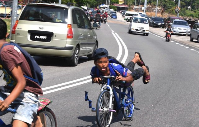 test Twitter Media - #ICYMI Parents can be punished if children involved in dangerous cycling - Bukit Aman  https://t.co/4ikVEjfIr0 https://t.co/OwNoECzRvM