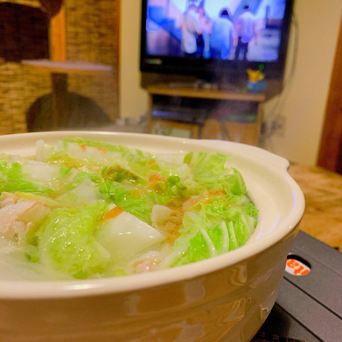 test ツイッターメディア - 白菜と豚バラのミルフィーユ鍋とカメラを止めるな~!!!!さいこー https://t.co/MdRGMC6lGq