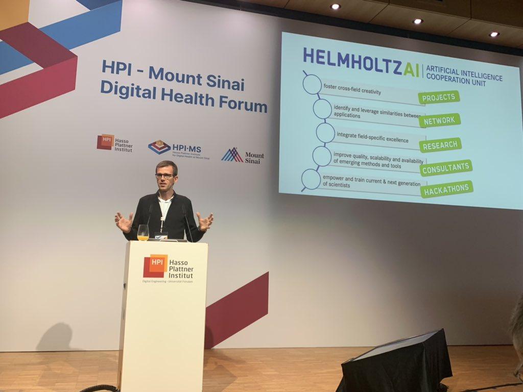 test Twitter Media - Christoph Feest von @helmholtz_de stellt die #ArtificialIntelligence Cooperation Unit aus München vor. #HPI_health #KI https://t.co/3n2DG8j5TO