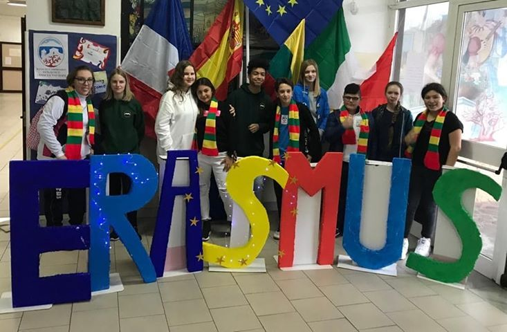 test Twitter Media - A #TorredelGreco progetto #Erasmus contro le discriminazioni. https://t.co/L8O728wP05 https://t.co/d3ZZrVgfsd