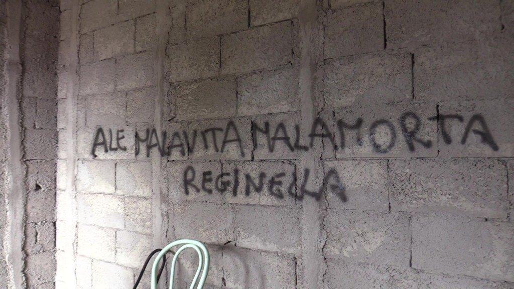 test Twitter Media - #TorredelGreco. Casa sequestrata diventa covo di spacciatori e prostitute. L'appello dei residenti. Il video https://t.co/ADcrdR3eVd https://t.co/OSGegIOac5