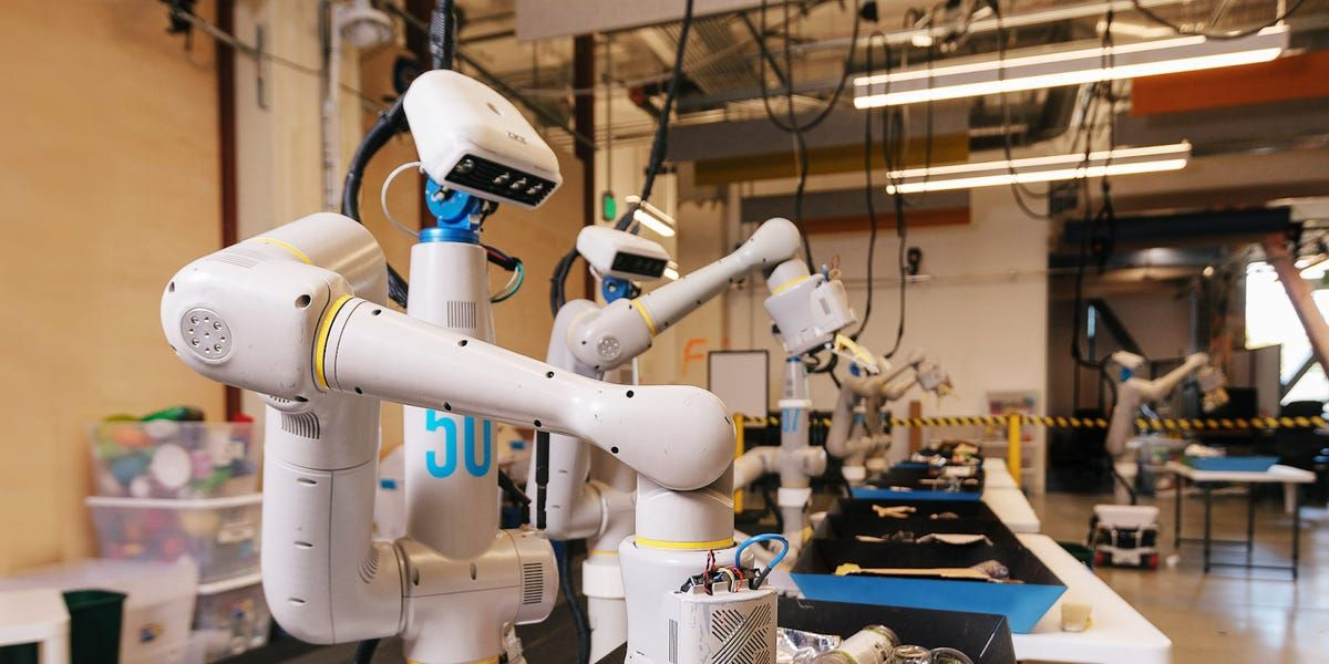 test Twitter Media - Very interesting news from Business Insider. Google's parent company, Alphabet, is investing into robots that can learn on their own with the help of AI technology: https://t.co/f7It2QLXrq  #Google #Alphabet #robots #consumerRobot #adaptation #evolution #ArtificialIntelligence https://t.co/0SNAGaxBxi