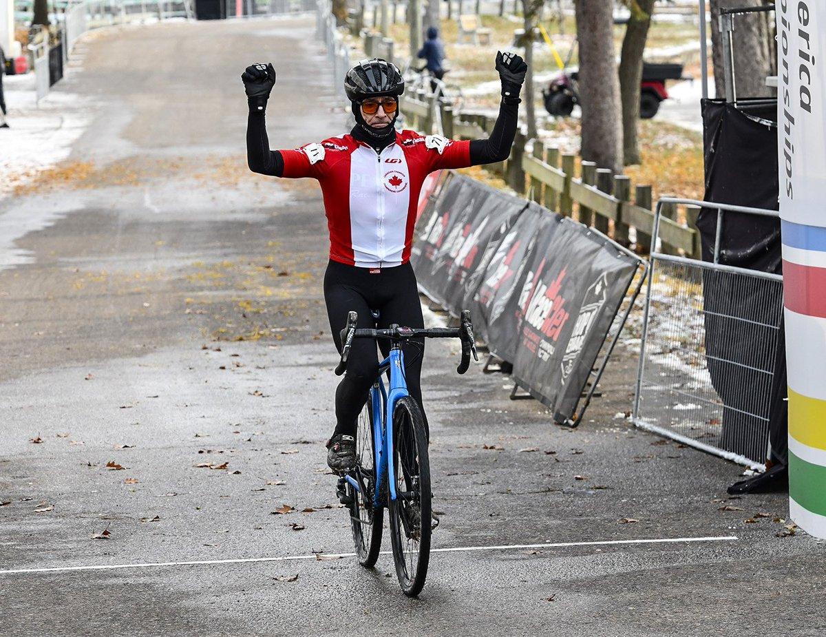 test Twitter Media - 🇨🇦 Les Canadiens nous rendent fiers aux Championnats panaméricains de cyclocross avec quatre titres Maîtres continentaux remportés à Midland en Ontario 👊  🔗 https://t.co/GC94AczTFJ https://t.co/CcCfczVlu5