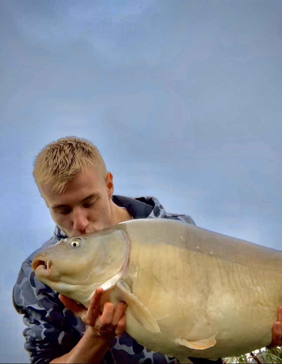 💋💋💋 #kiss #carp #fishing #carpfishing #love #<b>Mainline</b>bait #36lbs https://t.co/e5vpmu