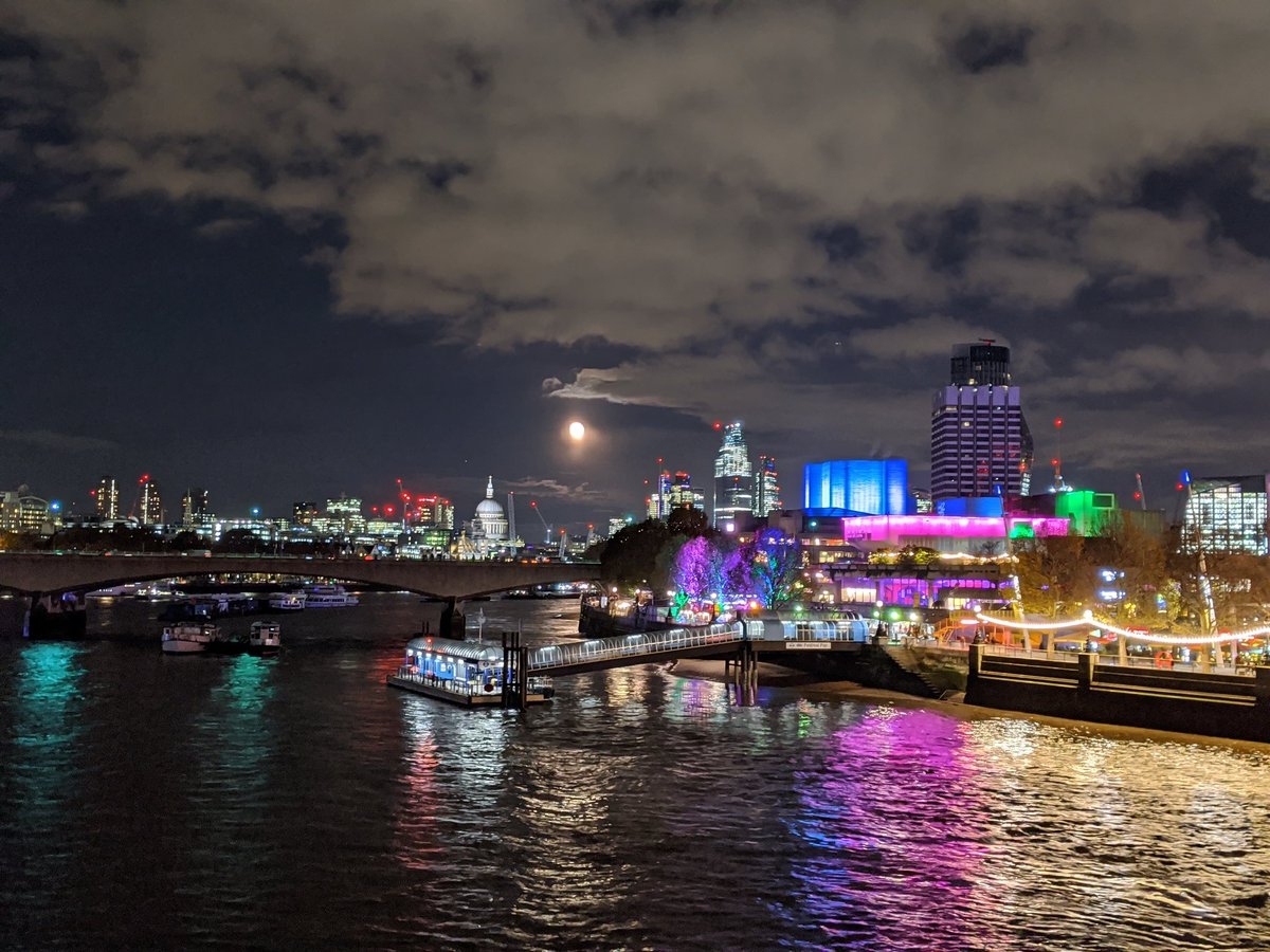 test Twitter Media - The #southbank really shines for us tonight.  #loveLondon https://t.co/GacTrkkKwg