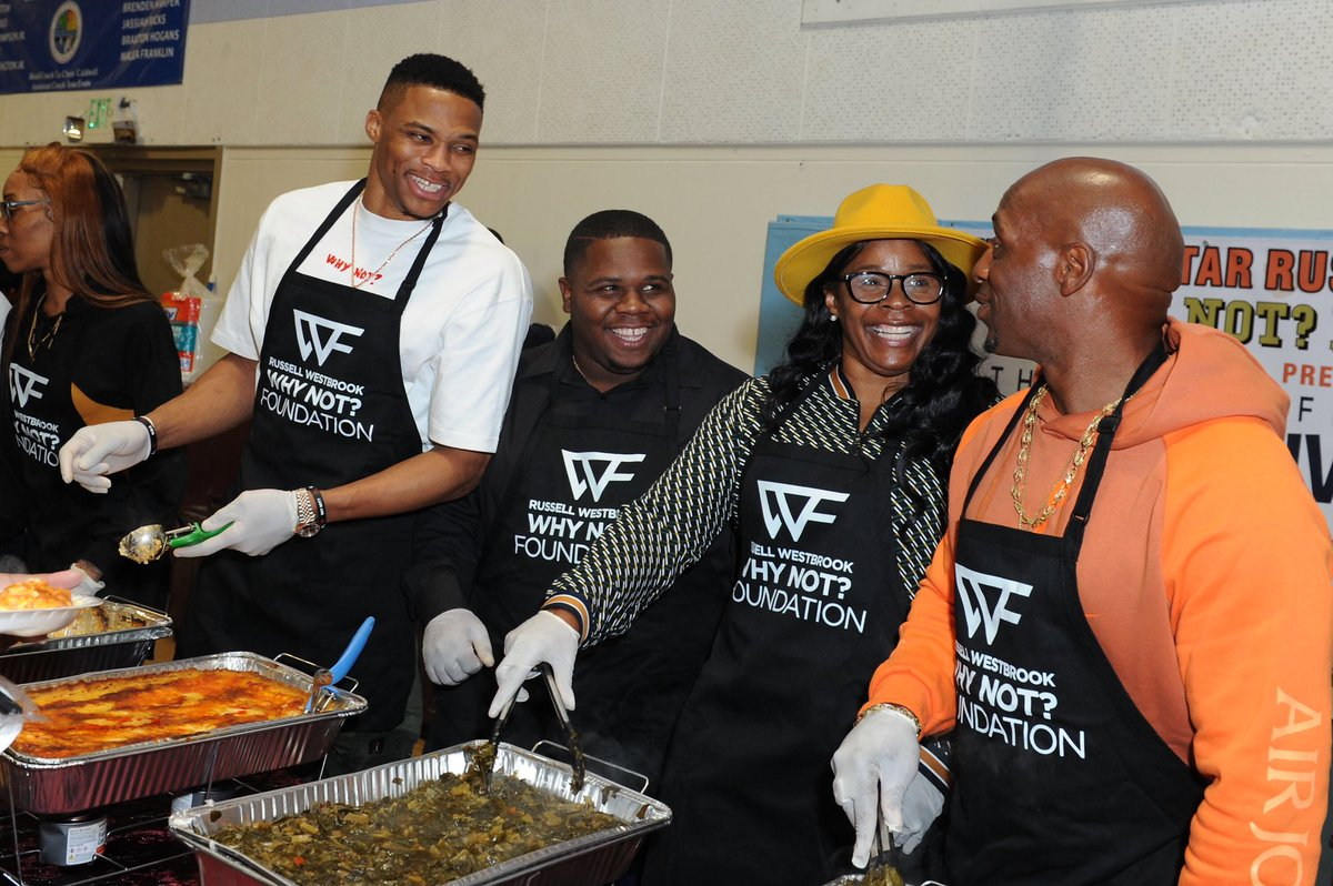 THANK YOU to all people involved in the special evening of giving back OUR community. I'm blessed and thankful to be able to service a community where I a grew up in. The @WhyNotFdn will continue to service OUR communities with different acts of giving!!!! #whynot