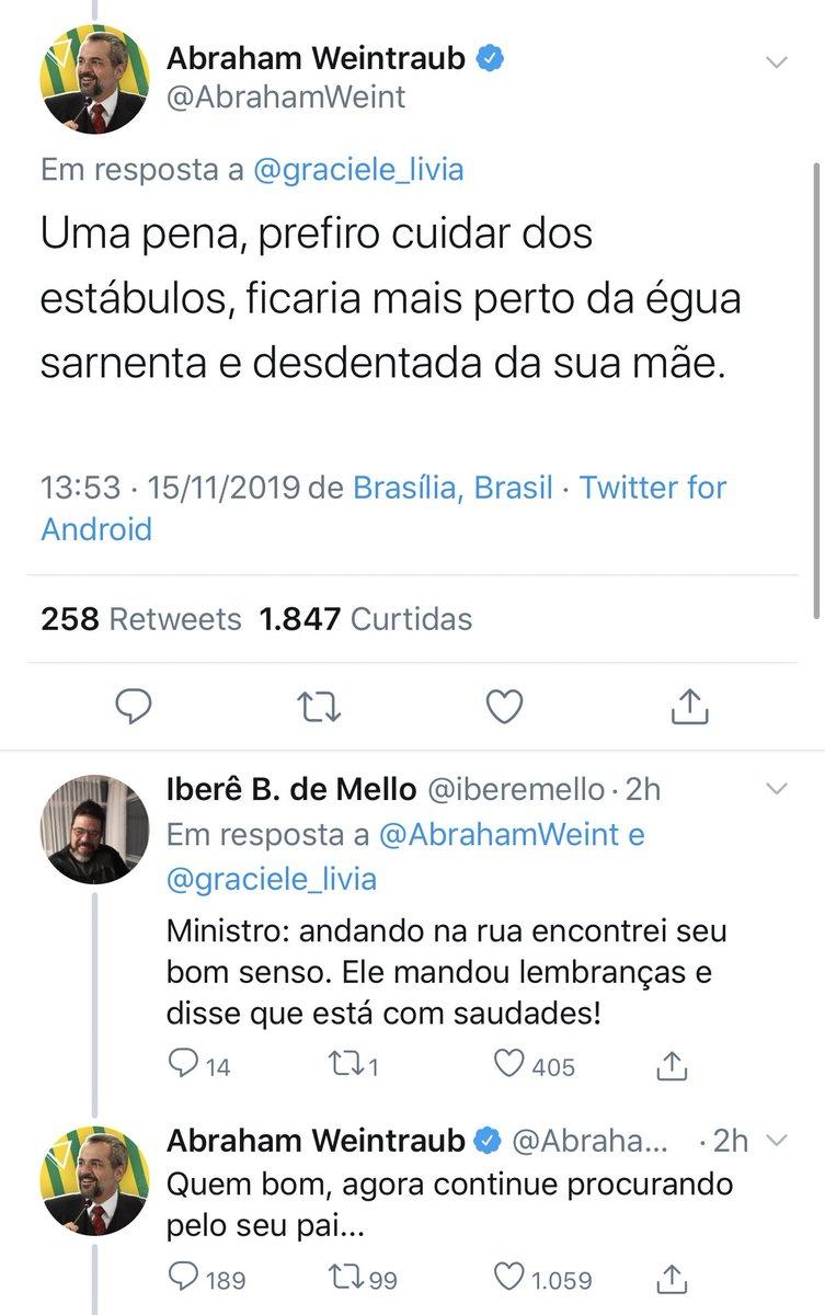 Esse é o Ministro da Educação do Brasil, que não será lembrado como qualquer coisa além de uma piada patética de um período doente da nação.
