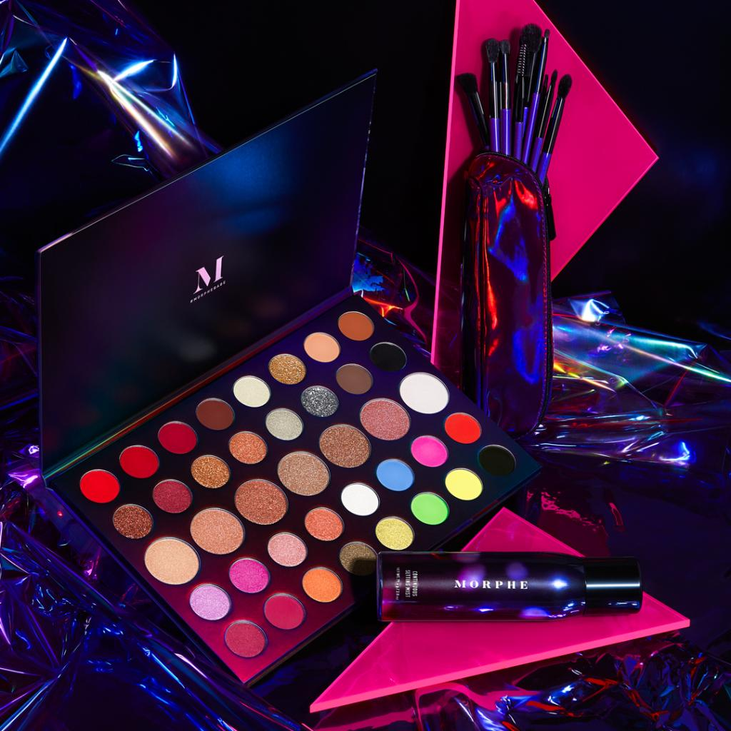 test Twitter Media - You bring the party💃🕺 @MorpheBrushes will bring the looks💙💚💛 Their holiday collection (featuring the tdf Hit the Lights Palette) will last you through all your seasonal soirées. #ultabeauty https://t.co/iUq5W4nErW