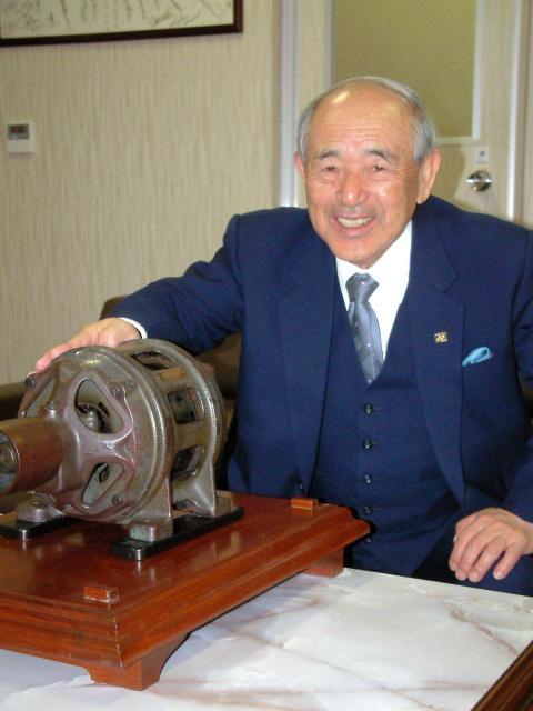 test ツイッターメディア - 【訃報】ヨネックス創業者の米山稔さん死去 95歳 https://t.co/O1ngD4YanZ  11日に老衰のため死去。1946年に漁業用木製ウキの製造販売を始め、57年からバドミントンのラケット製造に参入した。 https://t.co/awyuvPa8XE