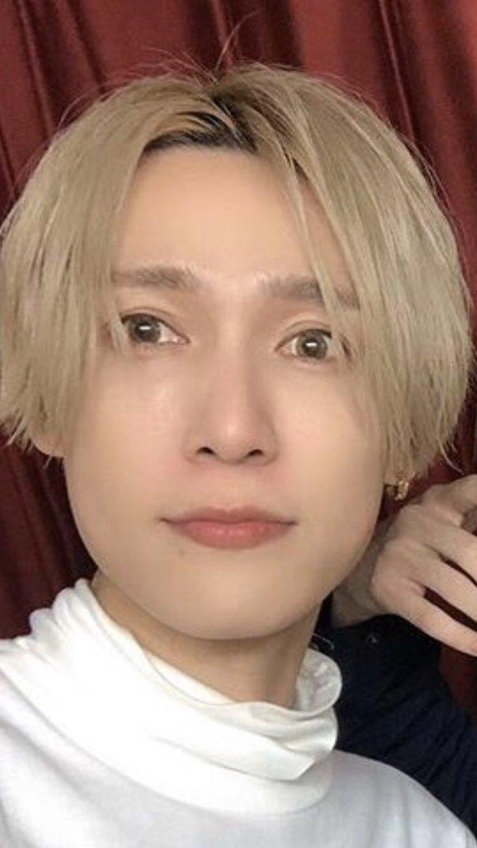 test ツイッターメディア - @natsumint_0822 やっぱりなんかいつもと違うよね!?? 前髪はあるかも.........これとか短い部分とひと房長いところが目にかかってるのとか完全に吉田秋生のBANANAFISH... https://t.co/3ec2WZqwP7