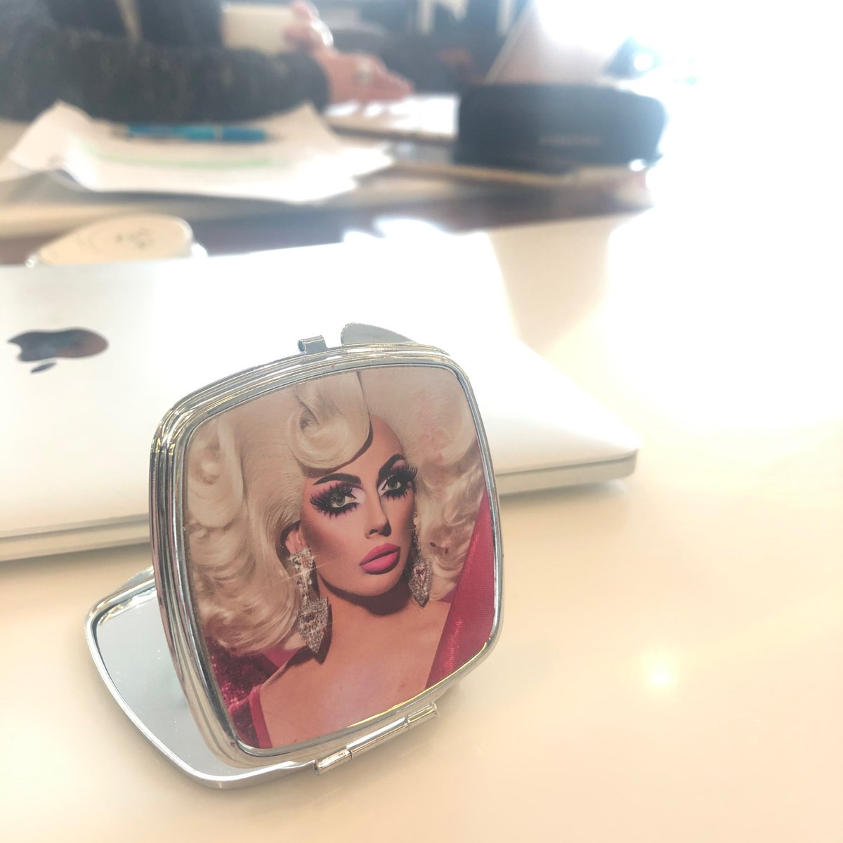 Always travel with my @AlyssaEdwards_1 mirror. 'Tis more blessed to Stan than to be Stanned.