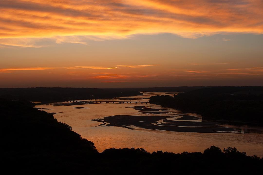 Sunset view of Platte River from Lincoln Journal Tower. 📷: Eric Fowler https://t.co/MDyqHhbFIs