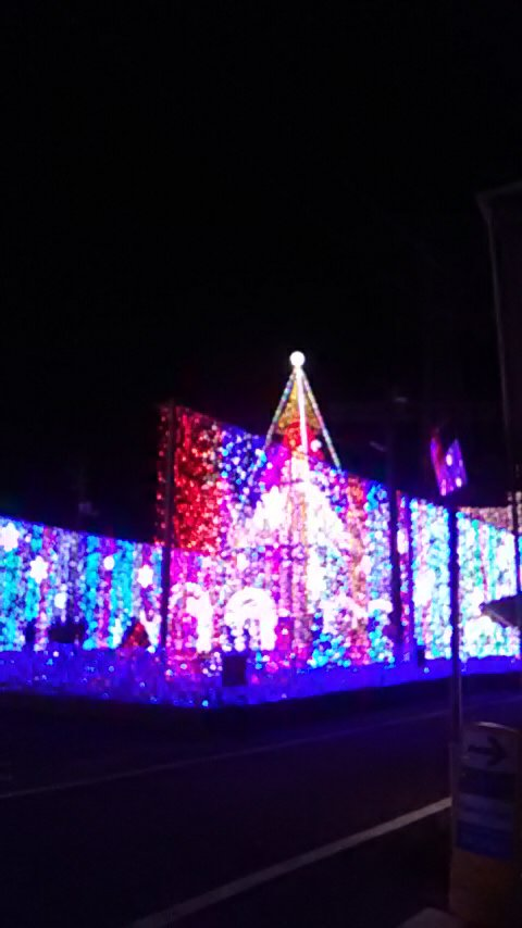 test ツイッターメディア - 高知では有名なんでしょうが 通りかかった大窪の水車亭のクリスマスイルミネーション 時間あればゆっくり見たかった  #クリスマスイルミネーション #高知 #水車亭 #備後安田 #町おこし https://t.co/o7gPoXwvqo