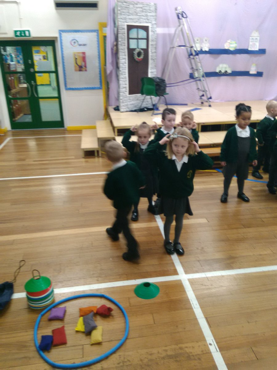 test Twitter Media - @cent_coaching #CCSA12daysoffitmas Day 2- Our reception children turned the Reindeer shuttles into relays. https://t.co/nMwauunI4s