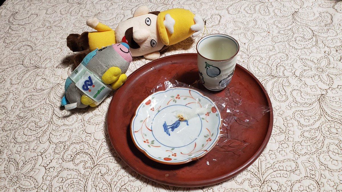 test ツイッターメディア - ウェルモ「お饅頭と緑茶🍵を食べてると心安らぐもぐな~(´ω`*)」  お饅頭は、こし餡とつぶ餡です。  レルヒさん「風ガ語リカケマス……ウマイッ❗ウマスギル‼️」  ちょっと、ちょっと!! 埼玉銘菓 十万石まんじゅう じゃないですよ~!  #和菓子 #ウェルモ #レルヒさん #レルヒ団 https://t.co/7gO65eXUGu