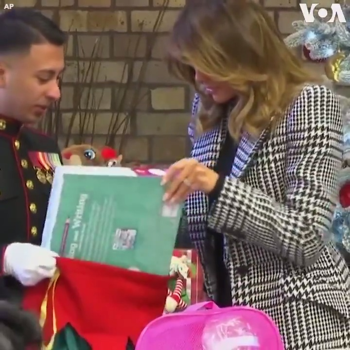 ▶️U.S. first lady Melania Trump visited a Salvation Army center in east London, Wednesday, December 4, sitting with children to make Christmas ornaments and helping to put gifts in bags.   👉London Children Sing Holiday Tune to Melania Trump