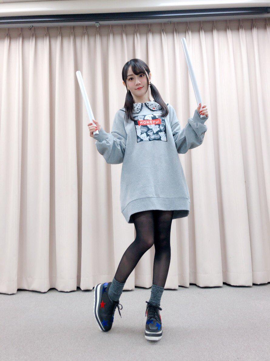 小倉唯 時万 ダッドスニーカー ローファー ボリュームスニーカーに関連した画像-03