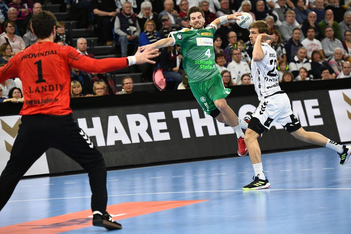 +++LIVE+++ Der SC DHfK macht ein gutes Spiel in Kiel und ist zur Pause bis auf ein Tor dran am Rekordmeister.  #THWDHfK 12:11 (Halbzeit) https://t.co/Pjkg565okR