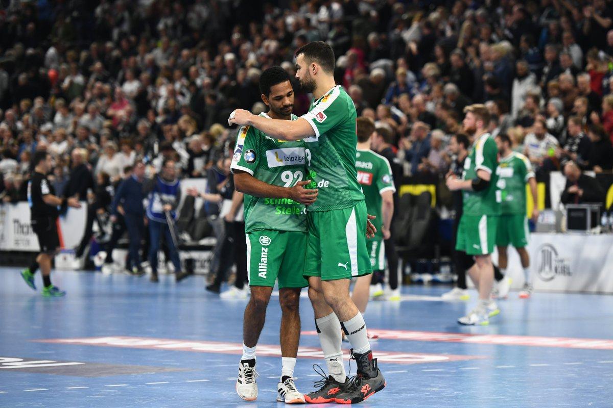 +++LIVE+++ Großer Kampf der Männer des SC DHfK Leipzig. Beim @thw_handball schrammen die DHfK-Handballer nur hauchdünn ein eine riesen Sensation vorbei. #THWDHfK 27:26 (ENDE) https://t.co/16qcsoJEqI