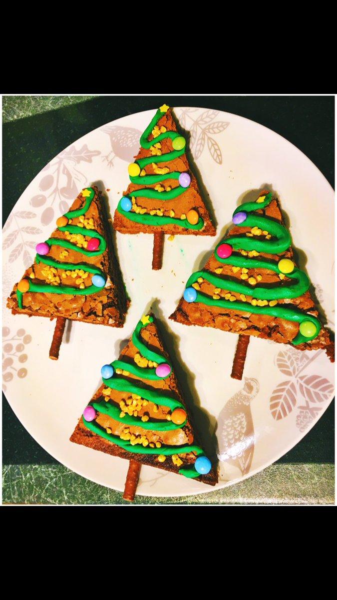 @DrOetkerBakes Chocolate brownie trees 🌲 Easy and super tasty! #BakeChristmasToMakeChristmas https://t.co/9PXdB3ojPr
