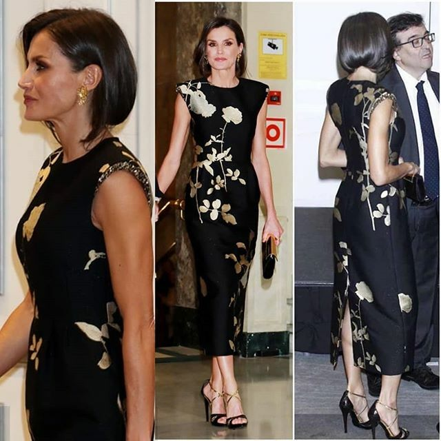 Queen Letizia is sporting a brand new bob and I love it 😍 And she's well able to rock 6 inch heels by the looks of it 😍 #RoyalFamily #royalstyle #QueenLetizia #style #fashion #CAIA #colourandimage #Academy https://t.co/yYQurWsEG0