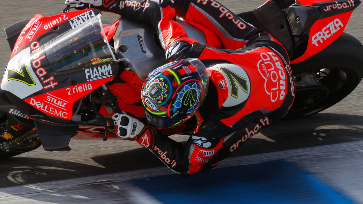 test Twitter Media - Chassis and suspension the main focus for @chazdavies7 in busy Jerez test 🔧  📹INTERVIEW | #WorldSBK https://t.co/QbQArVvWkB https://t.co/yzsh7Z15EX