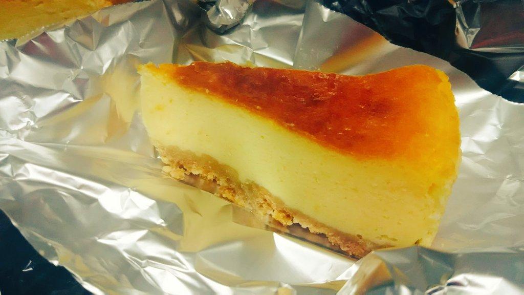 test ツイッターメディア - 手作りのチーズケーキを頂きました❗ お店のケーキと変わらない絶品の味でした!  ありがとうございます😊 #チーズケーキ  #中標津 #花屋  #感謝 https://t.co/eEBIt6kbKe