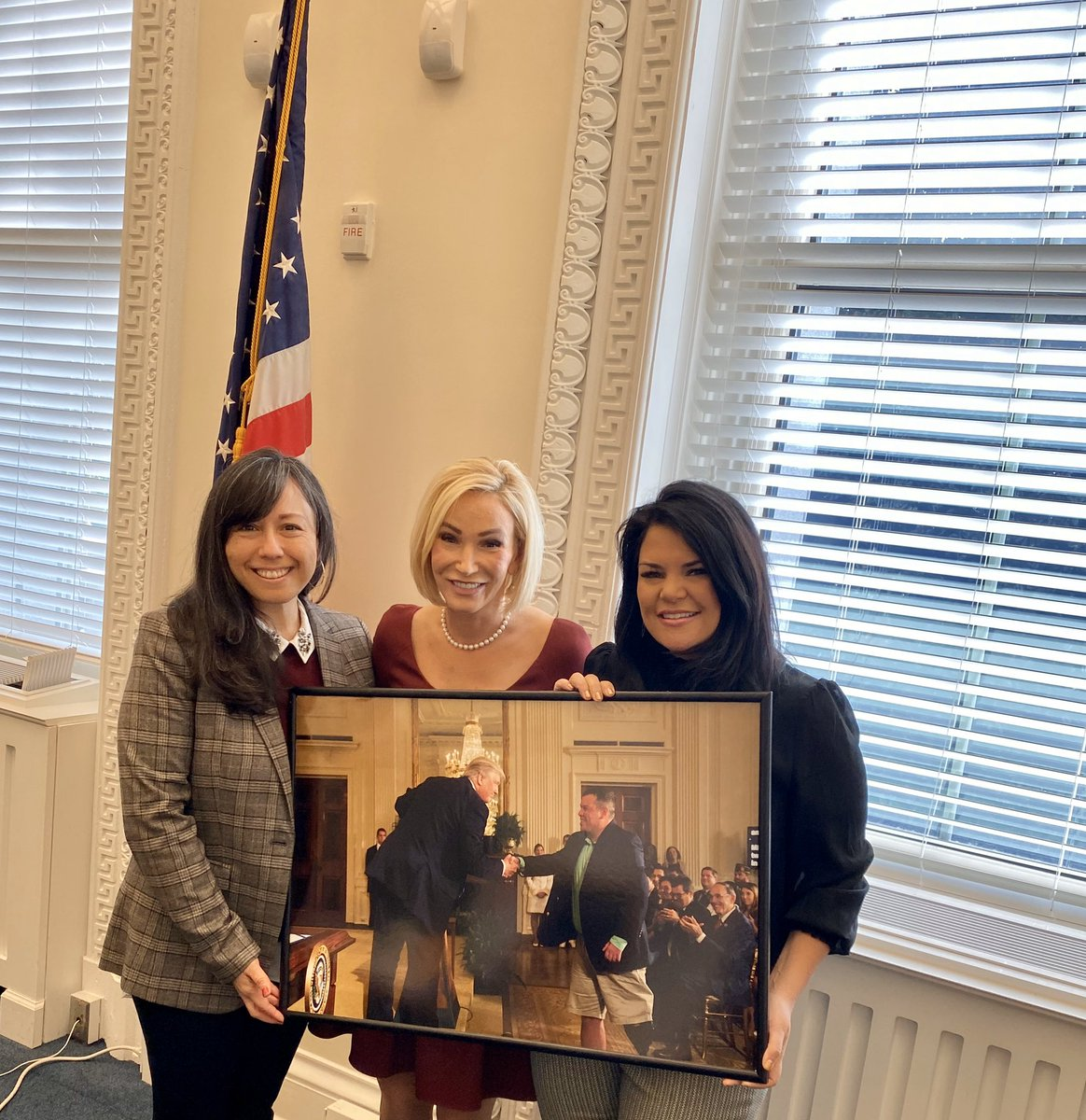 I am so grateful Mike's photo hangs in this White House. I know how hard they work for families like ours that are carrying the weight of war at home. Thank you President @realDonaldTrump and team 🇺🇸