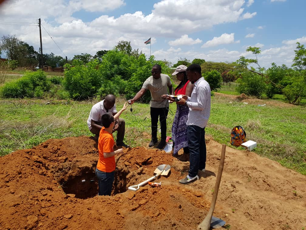 test Twitter Media - Tendai Chibarabada @SADC_WaterNet is now in #Malawi with colleagues @unima_mw @leadsea_ @geogsouthampton installing soil moisture sensors as part of maize trials looking at productivity in drier regions @justinosheff @GCRF @UKRI_News @FSS_RFD_Soton https://t.co/0L5lIXGfAs