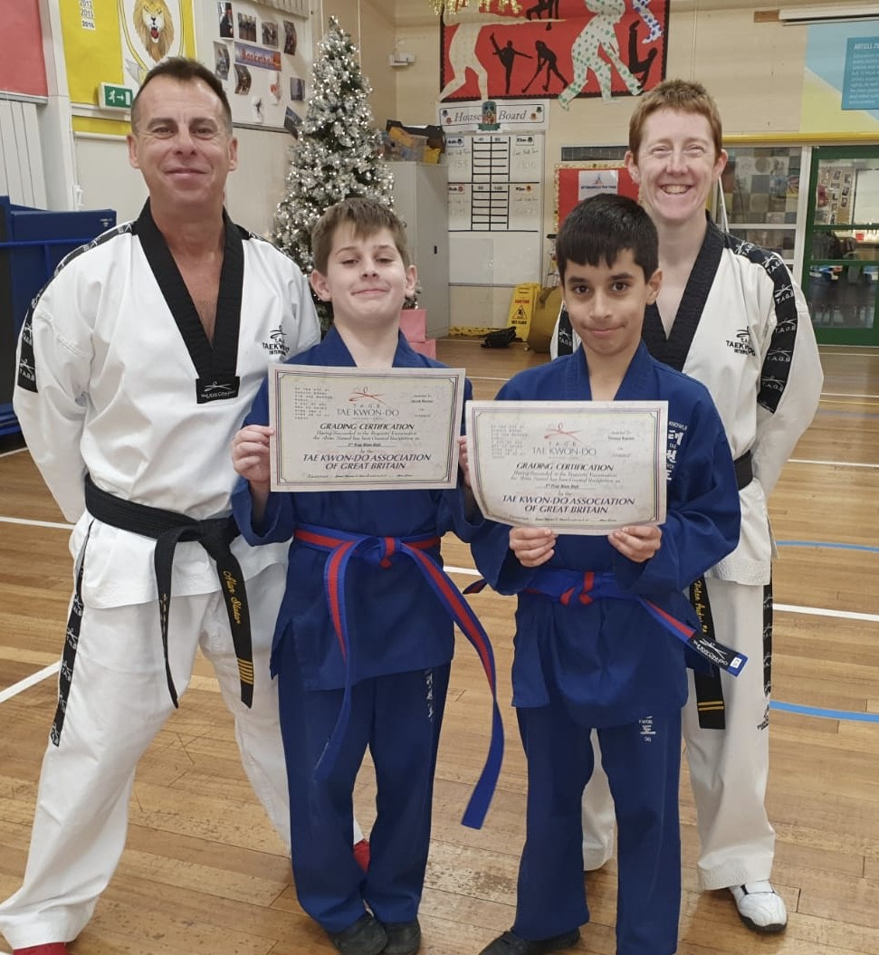 test Twitter Media - Hollywood pupils past and present receiving the awards for current gradings with Hollywood Tigers and Knowle TKD.  2 children are nearly on black belts. Want to join contact?Alan 07779365587 or alanslater@knowletkd.co.uk They are looking for more people to start in January. https://t.co/xRsrxR7vE1
