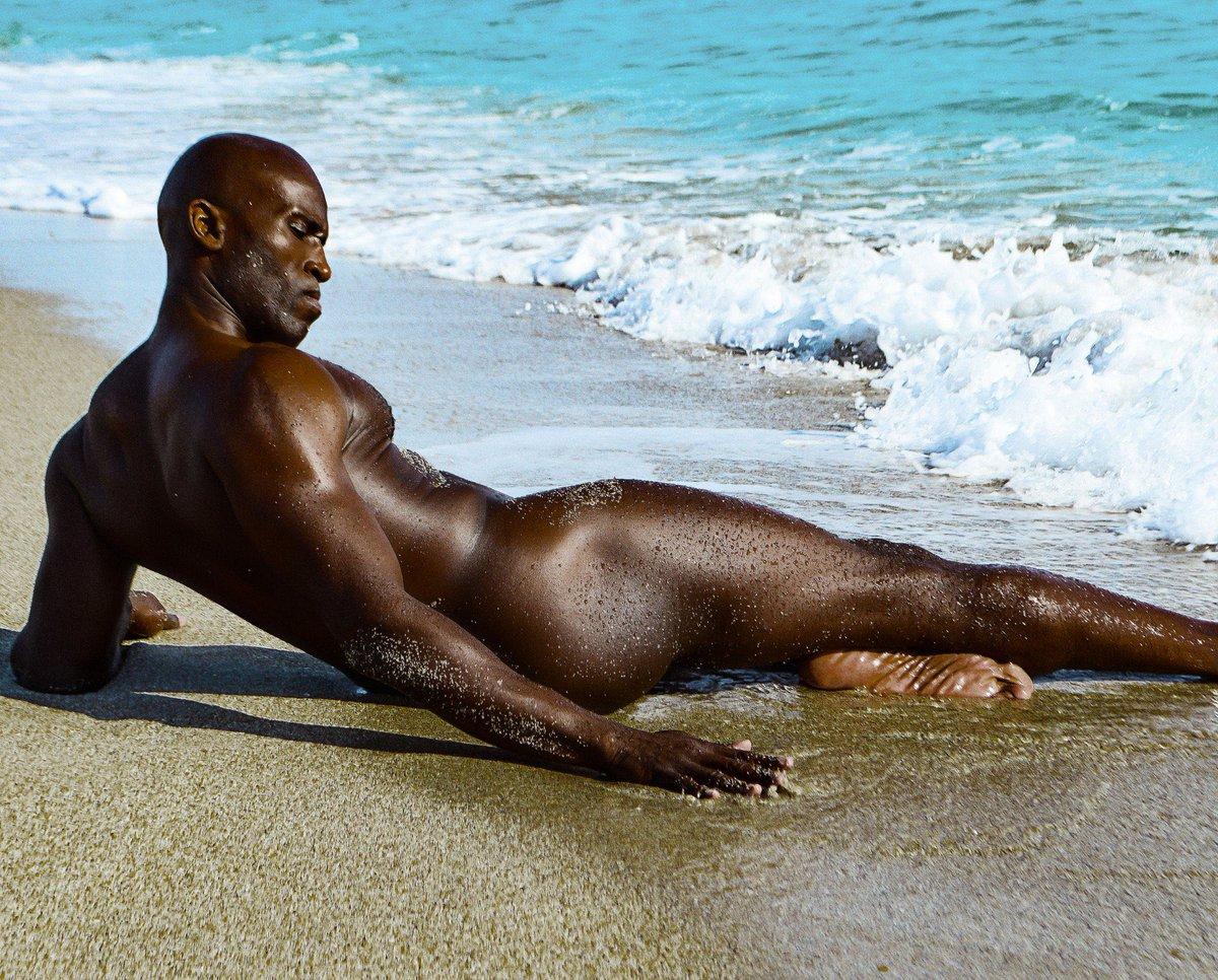 @HauloverBeachFL . 53yrs ❤️@visualizephotographybykelvin  #blackhardbody #blackmuscle #ebonymuscle #hotblackmen #melaninpower #melaninpoppin #blackmenskin #blackisbeautiful #blackmalemodel #sexyblackmen #blackfitnessmodel #blackgaymen #malebeauty #sexymen #malephysique