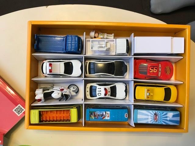 test ツイッターメディア - 伊達絵巻というお菓子の箱がトミカにジャストサイズ https://t.co/bAoCWT8uC7