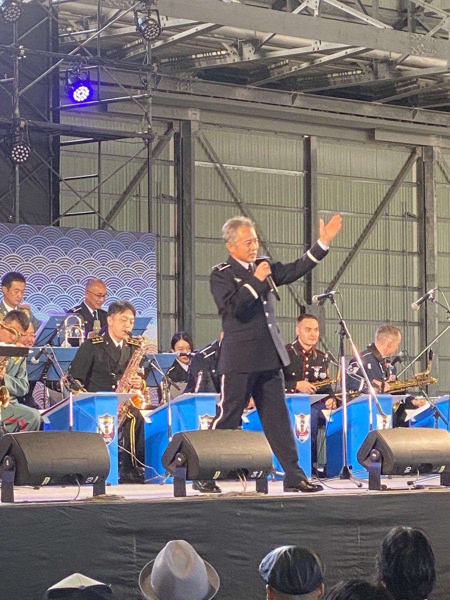 test ツイッターメディア - ステージで陸海空&米軍合同コンサート、始まってます♫🎷😊 https://t.co/joMphHV41z